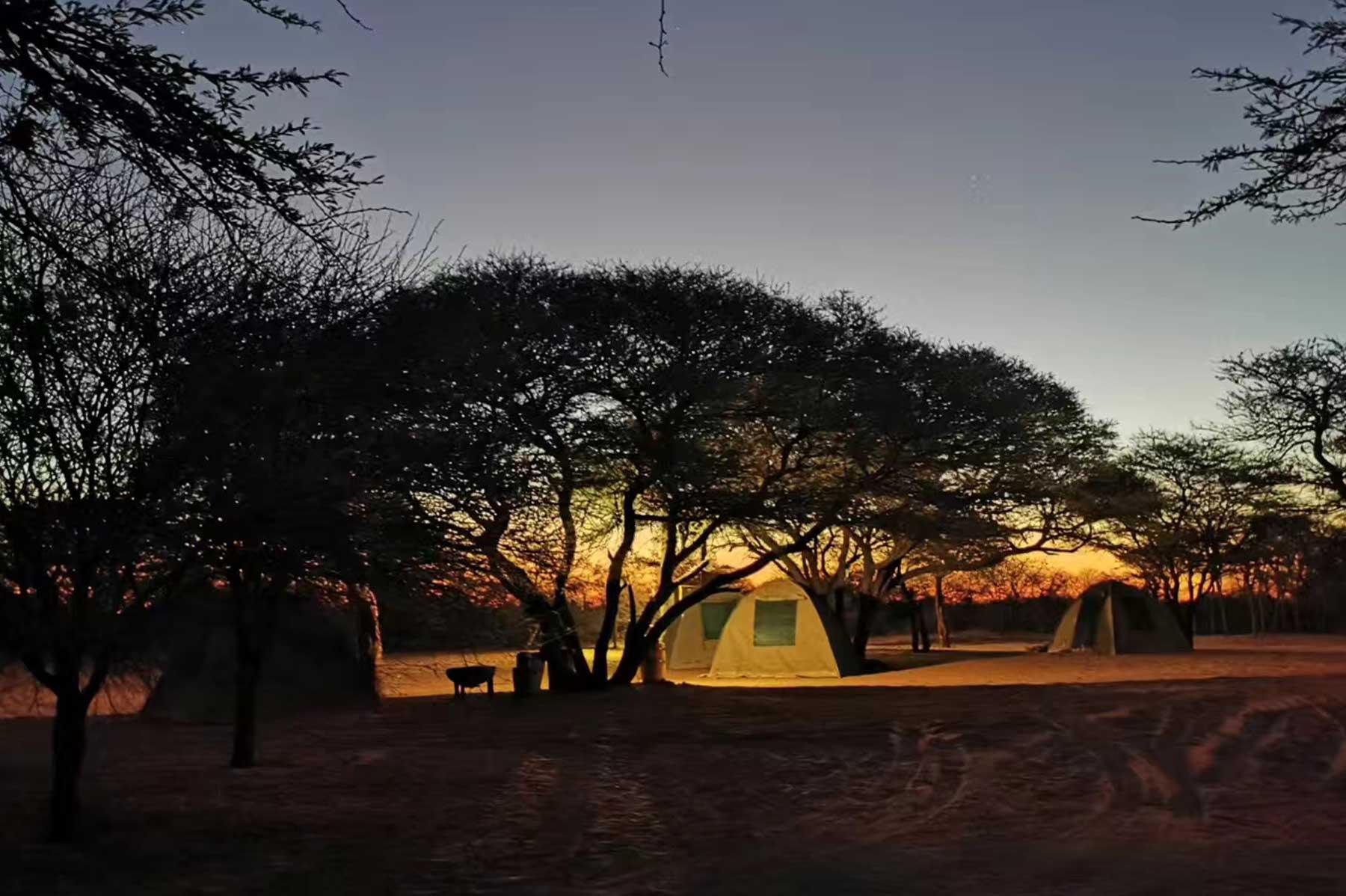 穿越非洲宿营地